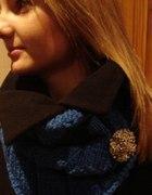 kobaltowy komin cekinowy beret...