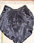 Czarna spódnica kokarda Cropp...