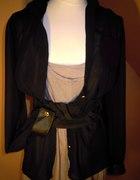 Dzianinowa sukienka i szyfonowa bluzka