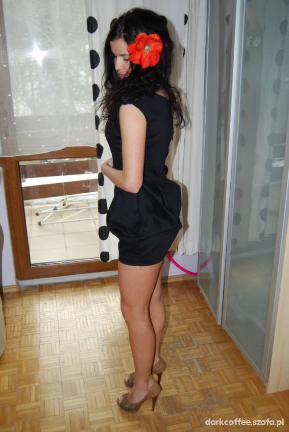 Mój styl czarna sukienka bombka