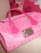 Louis Vuitton Różowy Kuferek...