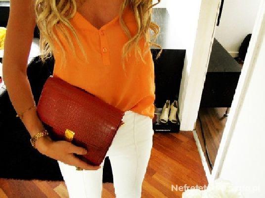 biało pomarańczowo