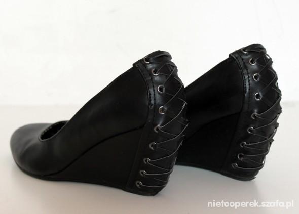 koturny WEDGES gorset czarne...