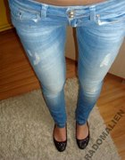 poszarpane jeansy jak zrobic