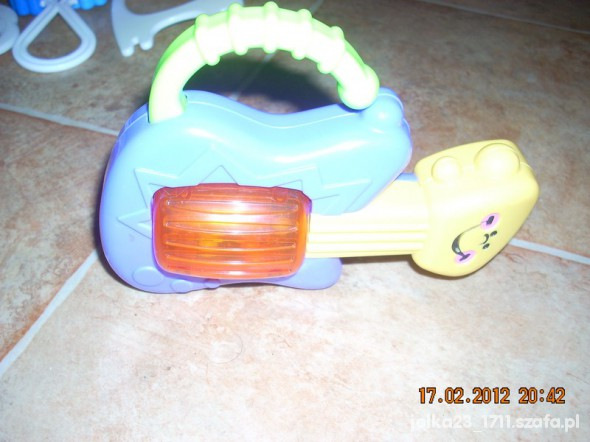 Zabawki Super interaktywna gitarka fisher price