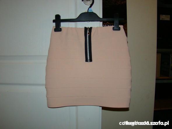 Eleganckie pudrowa spódniczka