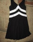 Elegancka czarna sukienka 16US