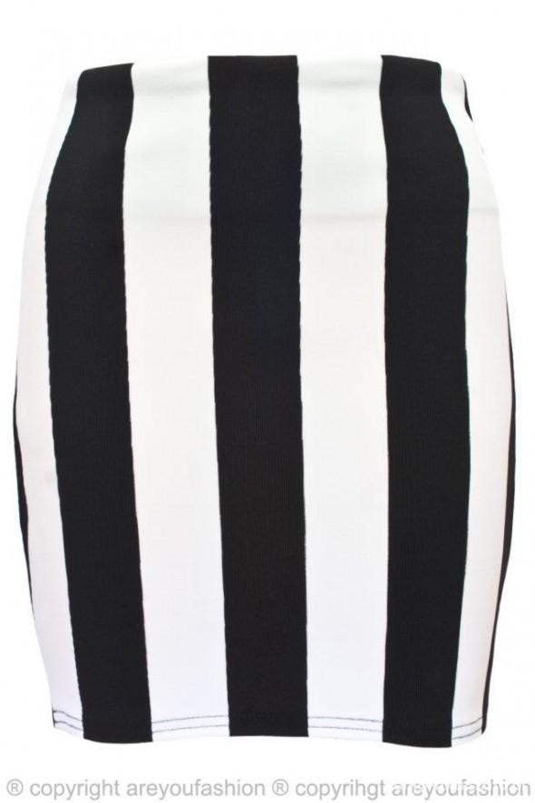 Spódnica w czarno białe pasy