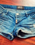 shorty pull and bear...