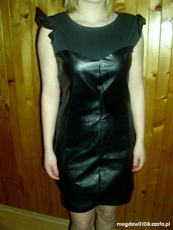 Suknie i sukienki ze wstawkami