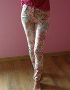 Kwiatowe spodnie Amisu