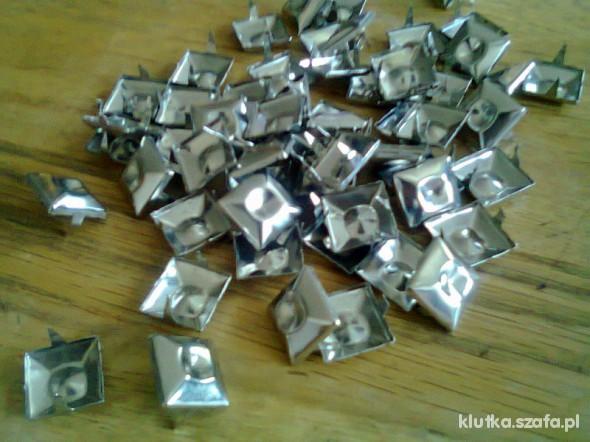 Pozostałe ćwieki metalowe 60 sztuk