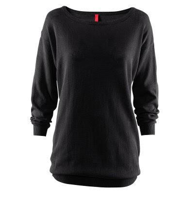 Luźny czarny sweter
