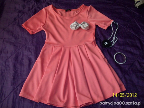 Suknie i sukienki ELEGANCKA SUKIENKA KONTRAFAŁDY CUDOO