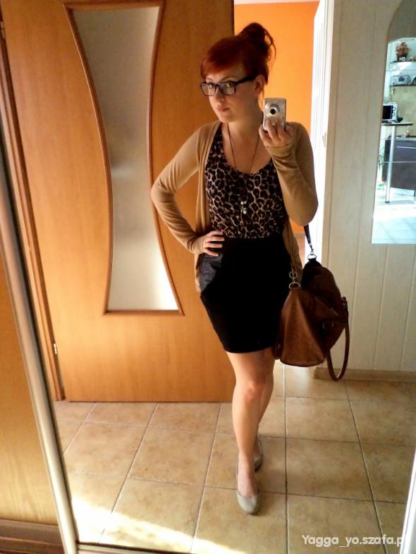 Blogerek Do pracy panterka i czarna spódnica