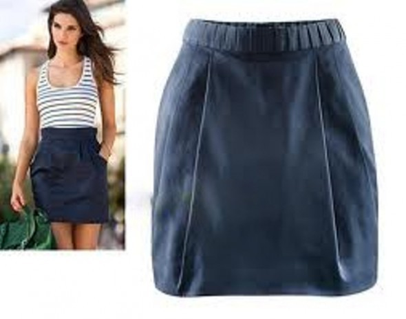czarna wyższa spódnica