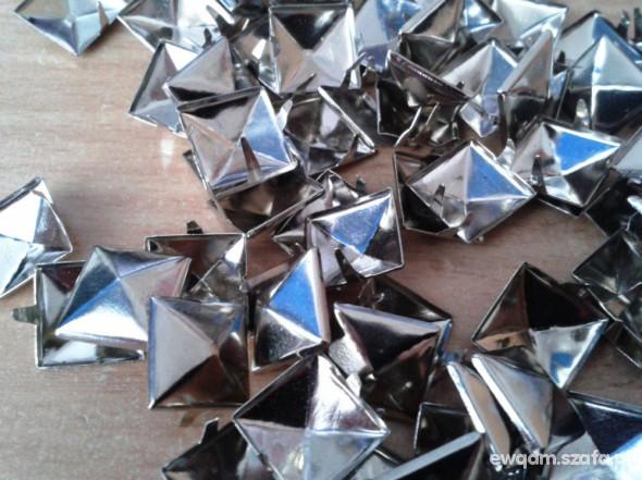 Pozostałe ćwieki piramidki 100 sztuk srebrne niklowane 11 11