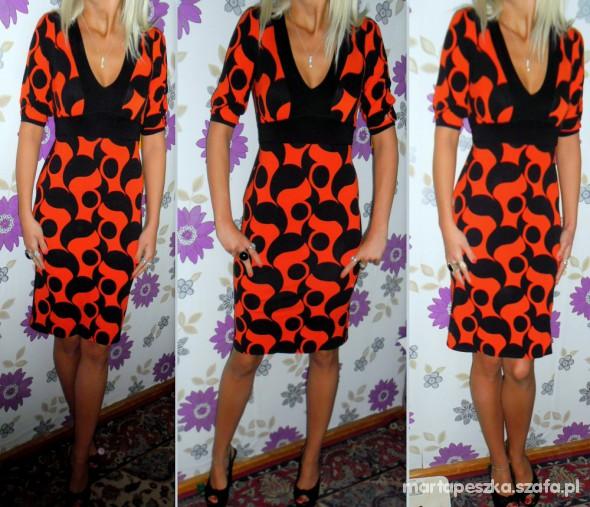 Suknie i sukienki ORYGINALNA CZERWONA SUKIENKA W CZARNE GROCHY R40