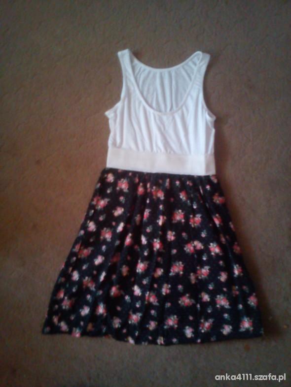 Suknie i sukienki floral r40