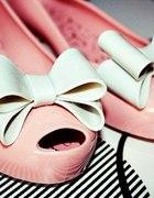 Różowe meliski z kokardkami