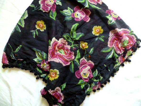 Chusty i apaszki Chustka floral