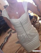 Sukienka ecri z zipem
