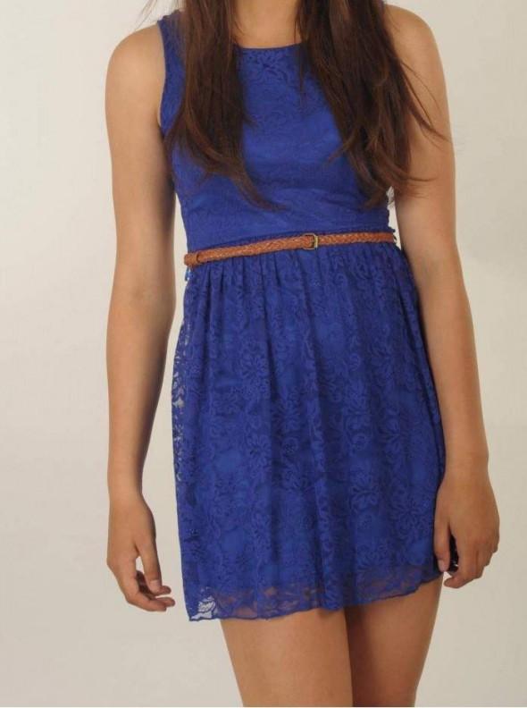 Suknie i sukienki Niebieska koronka