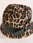 ŚLICZNY kapelusik w panterkę PANTERKA skóra