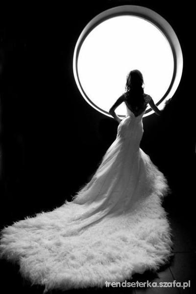 Na specjalne okazje czy to balowa suknia czy slubna