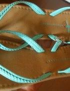 turkusowe sandałki