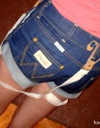 jeansowe spodenki wrangler...