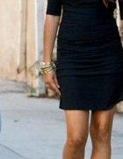 Czarna sukienka i botki bez palców