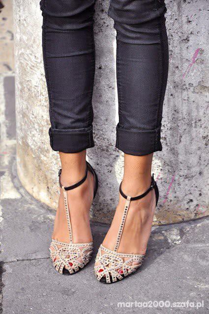 Obuwie sandalki ZARA