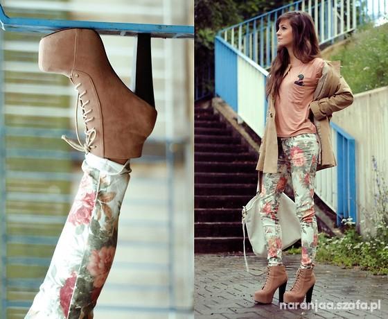 spodnie kwiaty