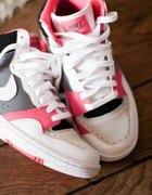 PasteLove Nike