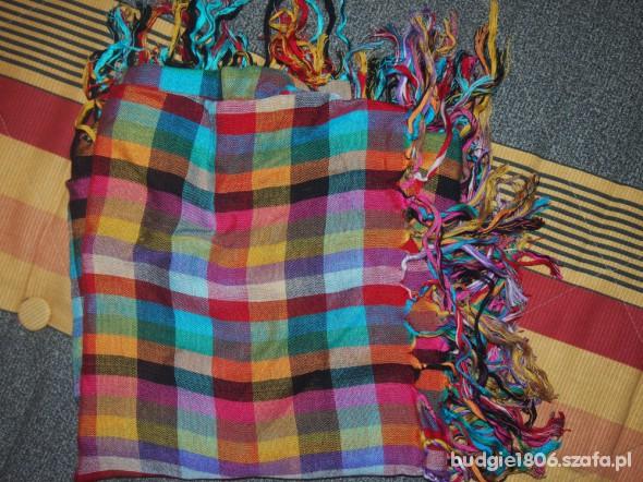 Chusty i apaszki Kolorowa chustka w kratkę firmy Glitter