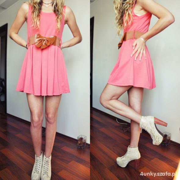 Romantyczne Koralowa sukienka