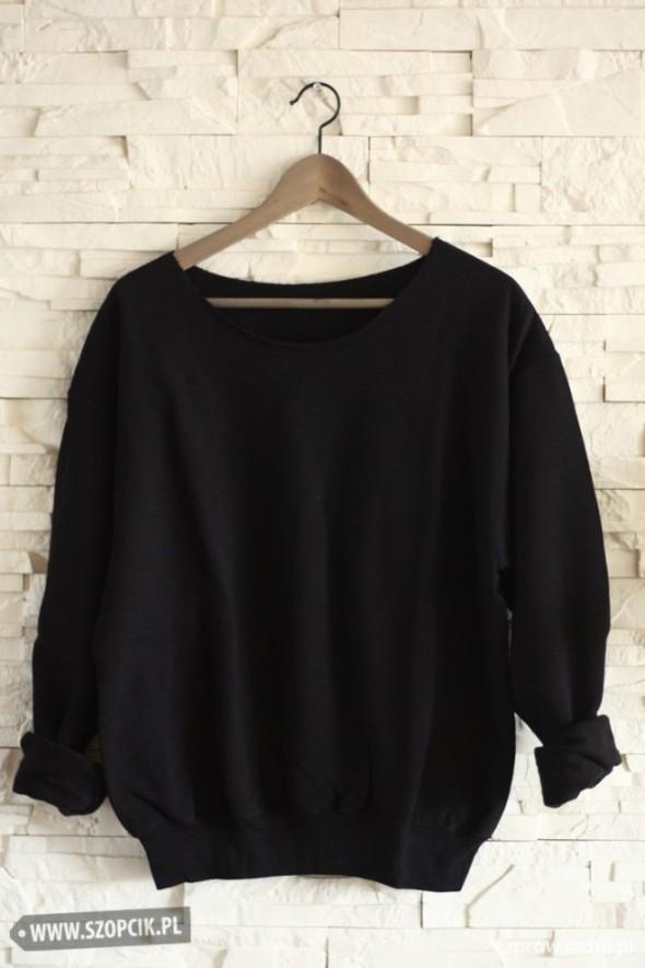 Ubrania czarna