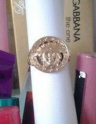 Versace Gold...