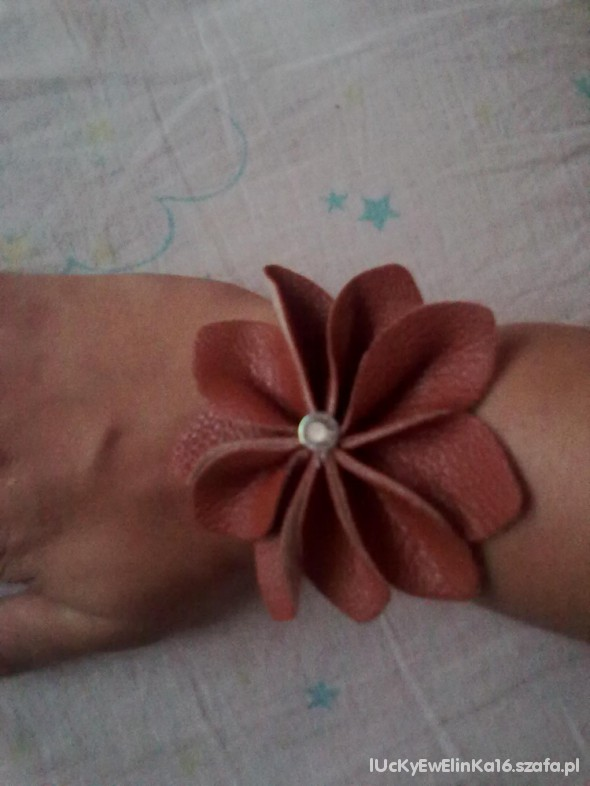 Bransoletka kwiatuszek