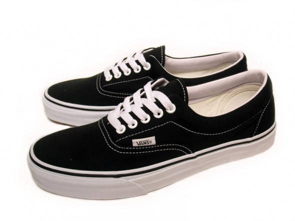 czarne vans authentic