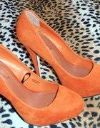 Pomarańczowe szpilki