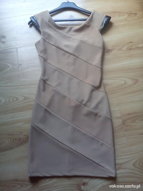 sukienka bandażowa beżowa