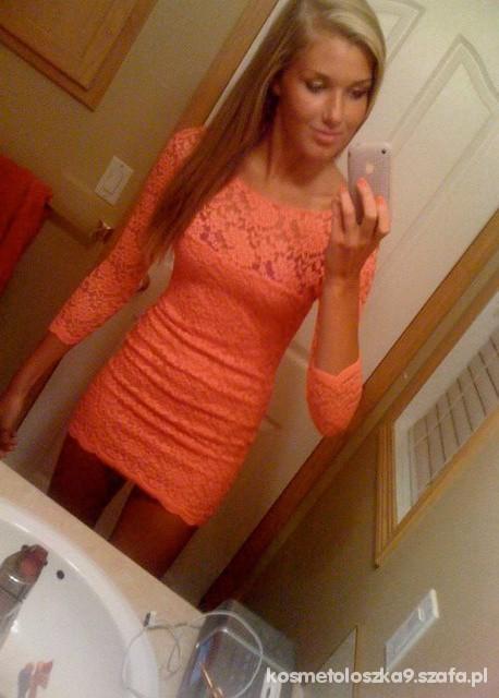 Suknie i sukienki morelowa koronkowa
