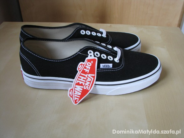 vans czarne authentic