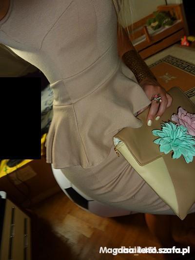 Eleganckie Sukienka Nudle z baskinką