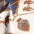 Fioletowa apaszka z Koniem