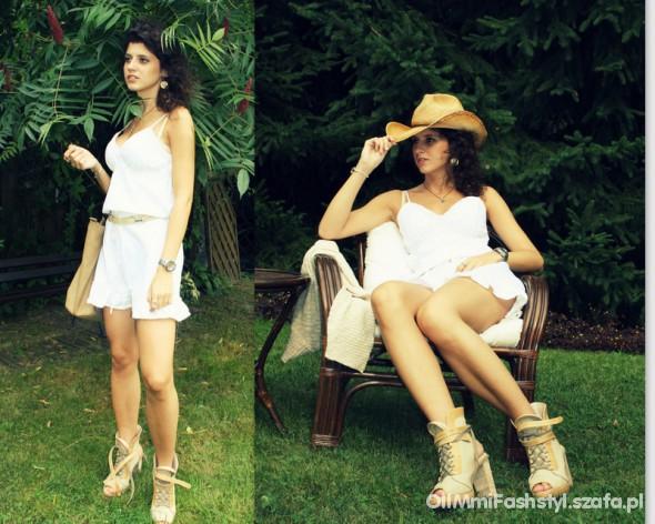 Romantyczne White short dress