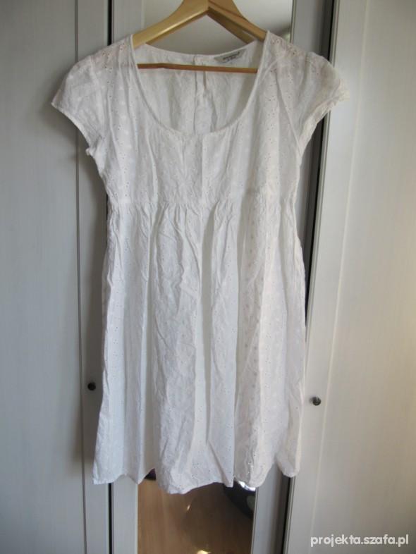 Suknie i sukienki Biała haftowana