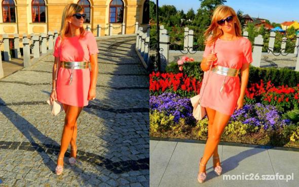 Eleganckie Brzoskwiniowa sukienka